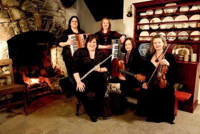 Cherish the Ladies: A Celtic Christmas